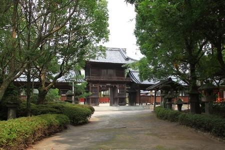 参道と楼門.JPG