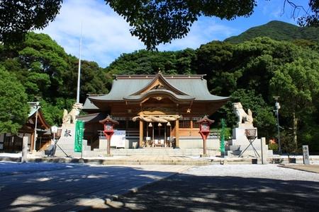 参道と社殿 (3).JPG