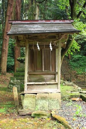 右・稲荷神社.JPG