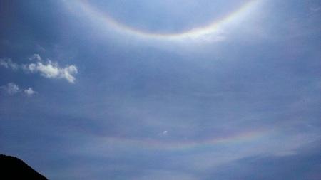 日暈と彩雲.jpg