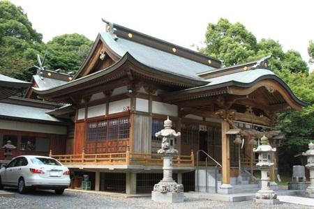 白髭神社・社殿 (2).JPG