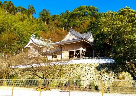 粟嶋神社・社殿.jpg