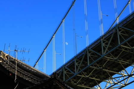 関門海峡と月.JPG