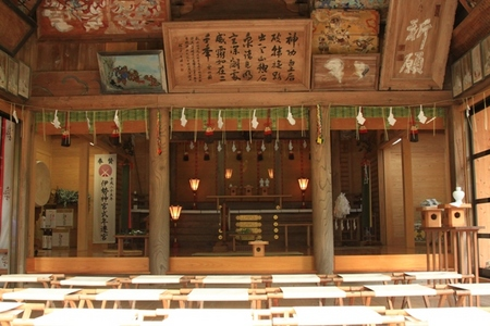 雲八幡神社・拝殿.JPG